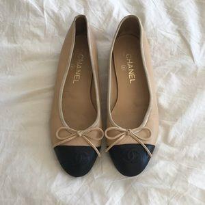 Personal Item •• Black & Tan Chanel Ballet Flats